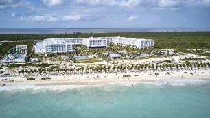 Vuela a Cancún y hospédate en este All Inclusive. Para más descuentos y promociones, visita PromoDromo.