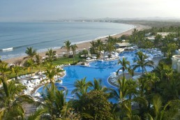 Pueblo Bonito Emerald Bay Resort&Spa (Hotel+Vuelo). Para más descuentos y promociones visita Promodromo