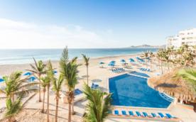 Hotel y vuelo redondo a Los Cabos en oferta. Para más descuentos y promociones, visita PromoDromo.